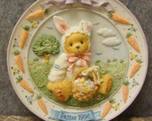 Enesco Cherished Teddies Easter Bunny Resin Plate #156590 Plaque Retired With Box and Certificate