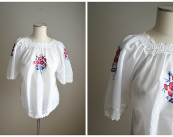 vintage embroidered bohemian mexican oaxacan style peasant blouse -- womens medium