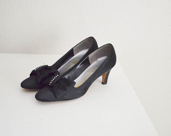 vintage 50s black and rhinestone formal pumps -- size 7.5 narrow -- kitten heel