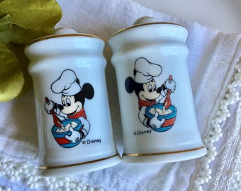 Vintage Disney Mickey Salt & Pepper Shakers ~ #D2290