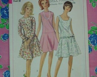 Vintage Pattern c.1966 Simplicity No.6539 One Piece Dress Size 12 Bust 32
