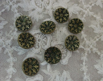 """Set of 8 Antique Metal Buttons 5/8"""", Beautiful"""