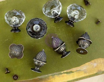 Antique Style Knobs - Vintage Style - 4 Antiqued Brass Pine Cone & 4 Clear Glass Plus Screws - Shelf Knobs - Coat Hangers - DIY  Home Decor