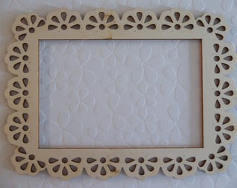 "Wood Picture Frame - Scalloped Edge - 4"" X 6"" - DIY Home Decor - Wood Embellishment - Wood Wall Art - Wooden Photo Frame"