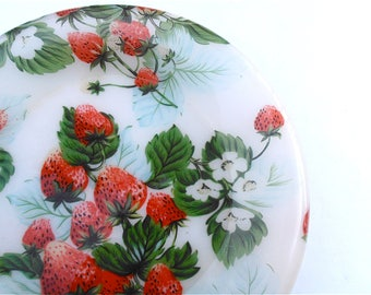 Vintage Red Green Round Tray Strawberry Patch Platter Acrylic Fruit Serving Dish Berry Plate Entrée Appetizer Picnic Theme Plastic Kitchen