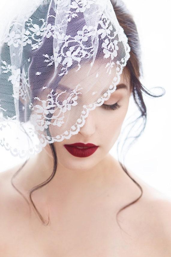 Chantilly Lace Birdcage Veil, Birdcage Veil, Birdcage Bridal Veil, Birdcage Veil Lace, Illusion Lace Veil, Chantilly Lace Blusher Veil LACEY