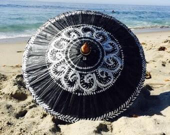 Black swirls design