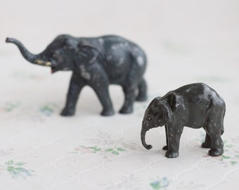 Lead Elephants - Mom and Baby - Iron Cast Zoo - Made in England