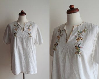 Vintage Peasant Blouse - 1970's Embroidered Blouse - Tunic -  Size L