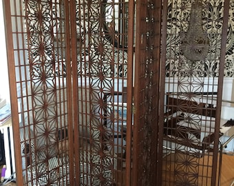 Large asian screen room divider. Authentic mid Century