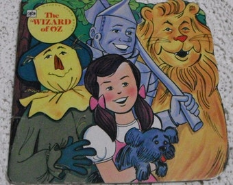 A Golden Shape Book The Wizard of Oz Vintage softcover 1976