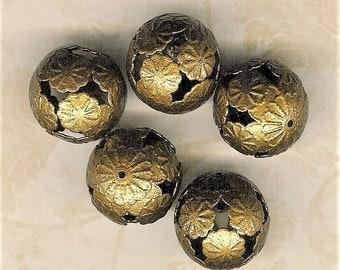 Antique Brass 20mm Floral Bead, 5 Piece Pack, 20mm Brass Bead, Large Round Brass Bead, 20mm Hollow Bead, Brass Focal Bead, 20mm Metal Bead