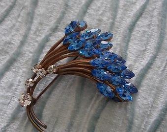 Vintage Blue Rhinestones Flowers  Brooch Pin - LOVELY