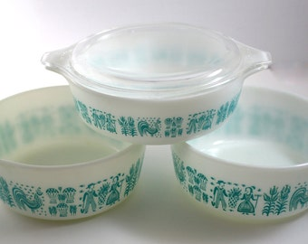 Vintage Pyrex Amish Butterprint Casserole Dishes