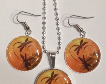 Dragonfly in Amber Outlander Inspired earrings and necklace jewelry set. Dragonfly Love