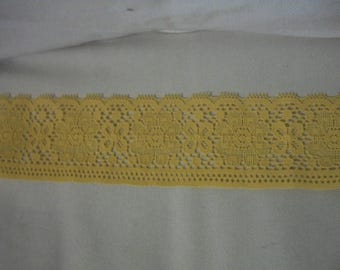 Yellow Scallop Floral Lace Trim