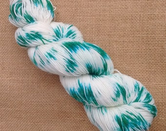 "Hand dyed British Bluefaced Leicester/nylon sock yarn in ""Delight"""