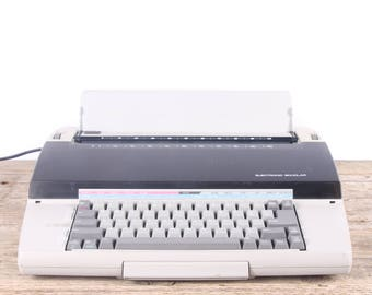 Vintage Working Electric Typewriter / Sears Electronic Scholar Typewriter / Beige Retro Typewriter / Old Office Decor / Old Typewriter