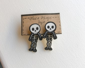 Cute Skeleton Clinging Fake Gauge Earrings