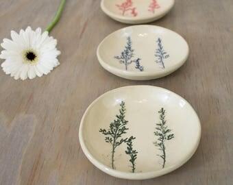 Small ceramic bowl | Ring dish | Flower imprints on stoneware clay | Botanical print of goldenrod flower