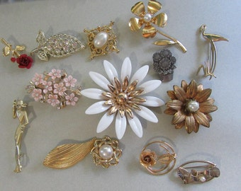 Vintage Pin Lot Pins Brooches Flowers All Wearable! Genuine Pearl Sarah Coventry AJC Vintage Costume Jewelry  1950s and Up
