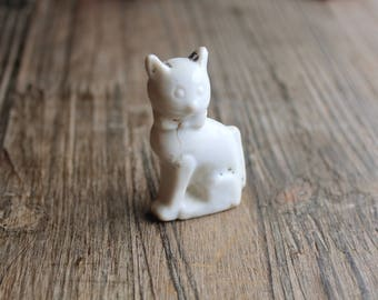 White Cat Figurine, Antique Ceramic Kitty, Unique 1930s Look, Very Old