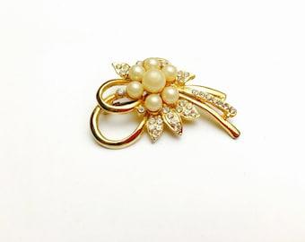 Vintage Flower Brooch, Faux Pearl, Rhinestones, Gold Tone, Clearance Sale, Item No. B513