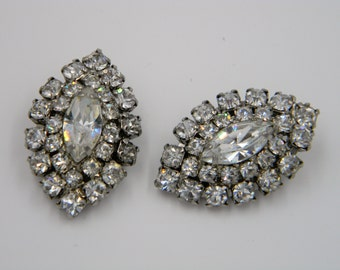 Vintage Weiss Clear Rhinestone clip on earrings prong set navette