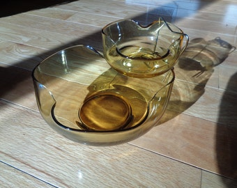 Vintage Honey Gold  Glass Chip and Dip Set in the original box packaging from Anchor Hocking, An American Glass Company in Mint Condition