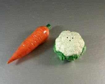 Fitz and Floyd Vegetable Garden Salt Pepper Shaker Set / Carrot Cauliflower / 1991