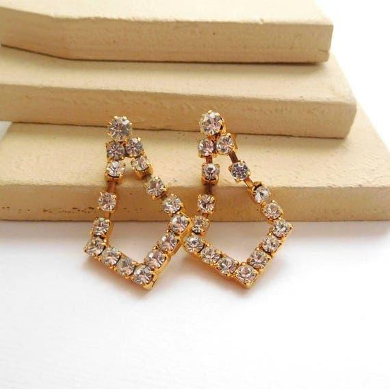 Retro Shimmering Clear Rhinestone Gold Tone Dangle Pierced Earrings I47
