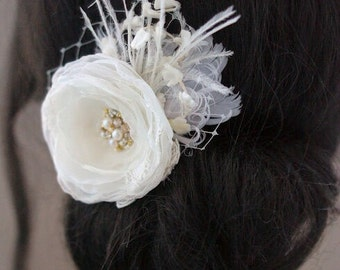 Ivory Bridal Hair Accessories, Wedding Hair Flower, Ivory Flower Hair Clip, Bridal Veil Fascinator, Rustic Hairpiece, Vintage Feathers Lace