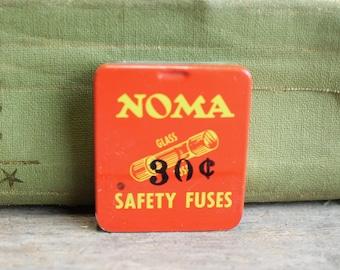 Vintage Noma Christmas Light Fuse Tin // One Fuse No. 404 // 5 Amp 125 V