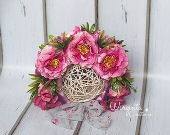 Flower bonnet photography prop