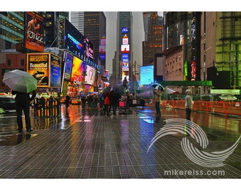 Times Square, manhattan, nyc, rain, people, lights, reflective, atmosphere, beauty, print, moment, time, grey, colors, life, water, mood