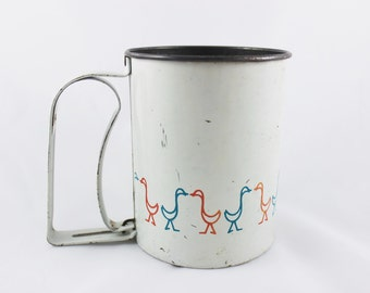 Androck Flour Sifter with Pink and Blue Ducks