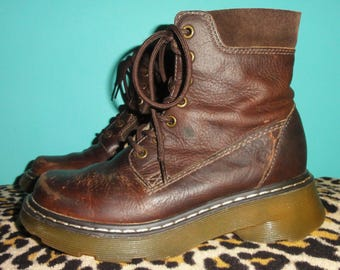 Vintage Dr Martens Boots US Men's 5 US Women's 6 UK Men's 4 brown leather docs Dr Martins punk goth gothic grunge hipster rocker zipper