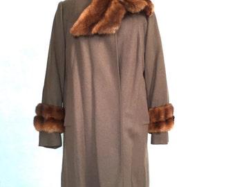 SALE! 1940s box coat with fur trim