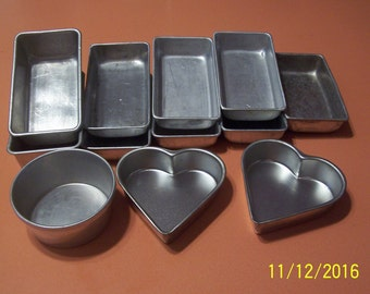 Child's Set of 12 Baking Pans