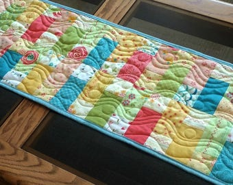 Easter Table Runner Decoration - Easter Centerpiece - Table Runner - Reversible Spring Patchwork Quilted Table Topper