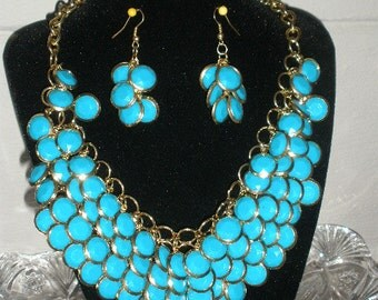 Modern Fashion Necklace and Earring Set Turguois Color and Gold Tone