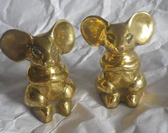 HOLD FOR KIRSTEN Pair of Petite Brass Mice Figurines Home Decor Paperweight Mid Century Mice Woodland Mouse Rodent Figurine Statue