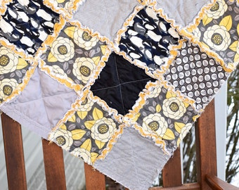 Baby Rag Quilt- Ready to ship quilt, yellow rag quilt, modern rag quilt, one of a kind Rag quilt, new baby quilt, baby shower gift