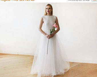 Spring Sale Ivory Tulle and Lace Sleeveless Maxi Bridal Gown, Lace and tulle bridal maxi gown  1145
