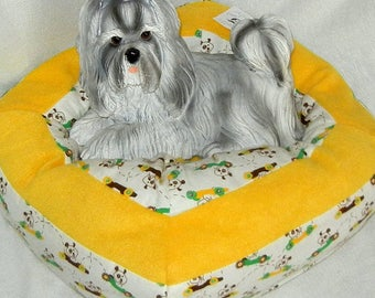 Small Machine Washable Pet Bed - Driving Puppies with Yellow Accent