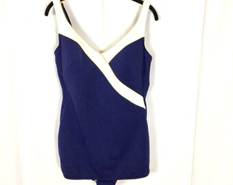 Plus Size Pin Up One Piece Bathing Suit / Size 22W