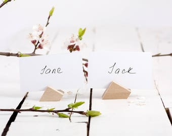 30 Geometric Wooden Place Card Holders /Polygonal shape shape / Perfect Modern Wedding Reception // Custom Shape and Color possible