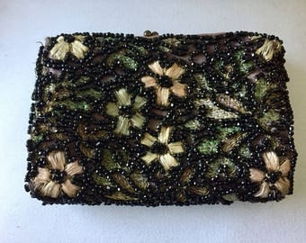 Vintage 1940s beaded coin wallet