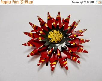 On Sale Vintage Enameled Red Flower Pin Item K # 3104