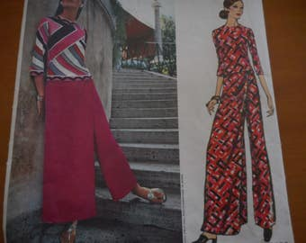 Vintage 1960's Vogue 2503 Couturier Design Pucci Top and Pantskirt Sewing Pattern, Size 12 Bust 34
